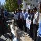 اعتراض دامداران یاسوجی با ریختن شیر در مقابل استانداری