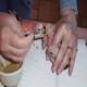 تغذیه و نگهداری جوجه پرندگان به روش دستی
